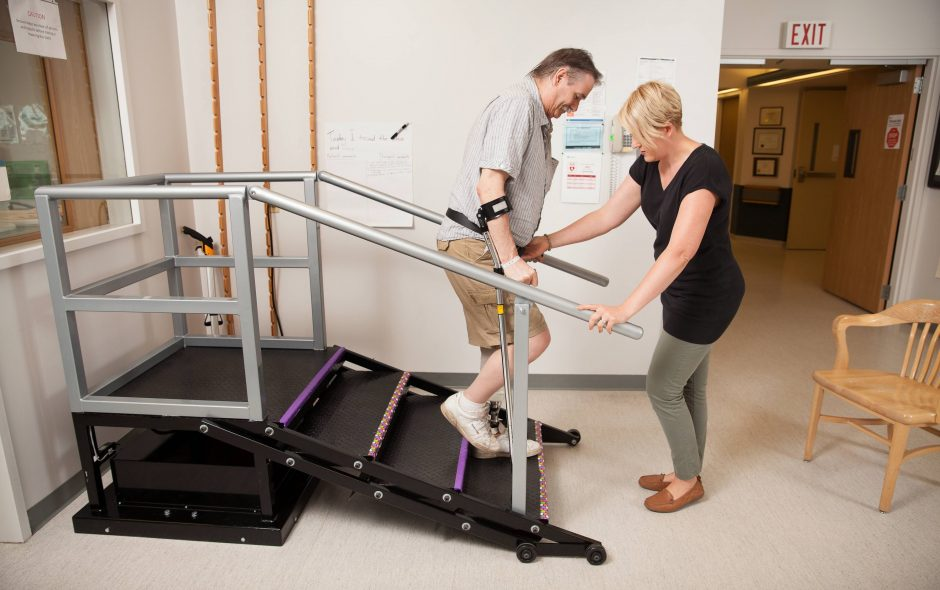 6 Walking Rehabilitation Exercises for All Stages of Recovery